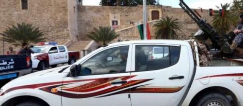 Le immagini dei combattenti islamici a Sirte.