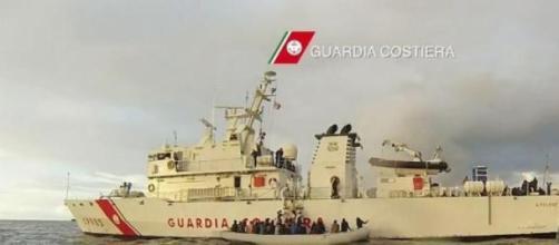 Les garde-côtes italiens ont sauvé 2000 personnes.
