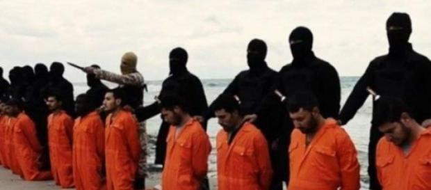 Vídeo divulgado pelo EI da suposta execução.