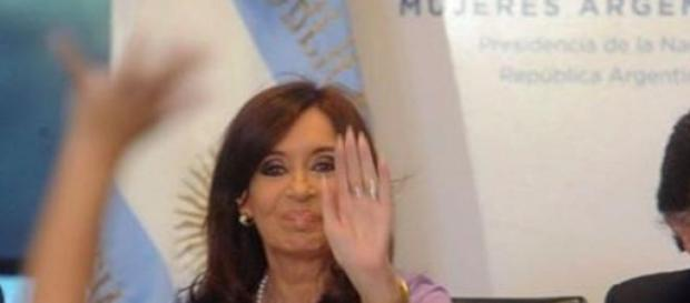 """Cristina Fernández denucia """"golpismo judicial"""""""