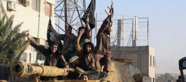 Estado Islámico celebrando una victoria