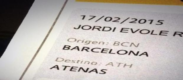 Évole anuncia su vuelo a Atenas vía Twitter