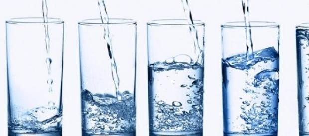 Consumul excesiv de apa dauneaza sanatatii