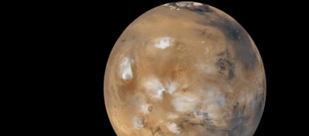 El planeta rojo  fotos con nubes de 500 km alto