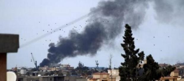 Explosion au port de Benghazi en Libye.