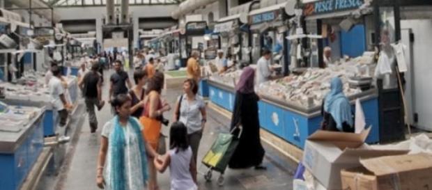 Mercato Esquilino sequestrato pesce avariato