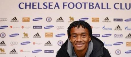 Juan Cuadrado assinou pelo Chelsea