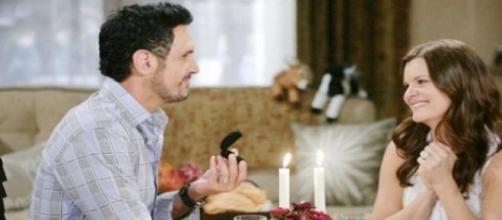 Bill chiede a Katie di sposarlo