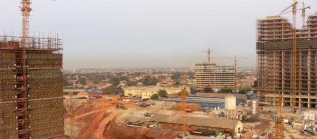 Construção civil parada em Angola