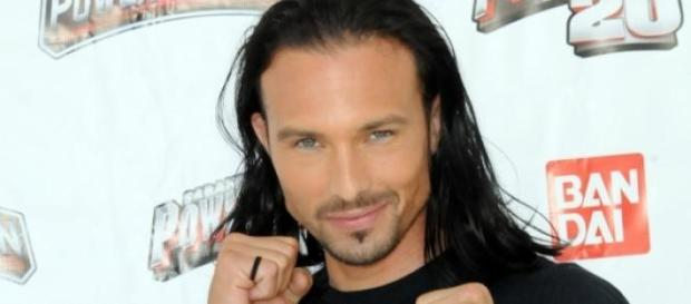 El 'Power Ranger' rojo, Ricardo Medina Jr.