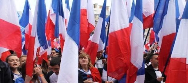 Le FN: en tête dans les législatives partielles