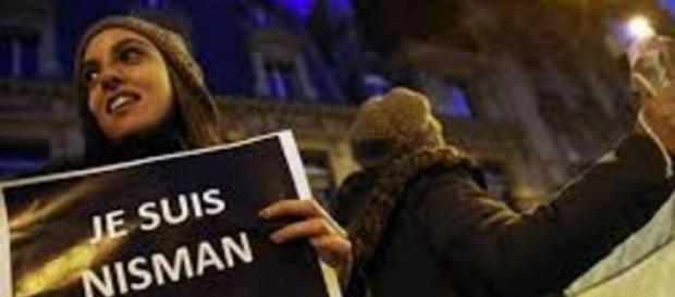Argentina protesta en francés contra Cristina