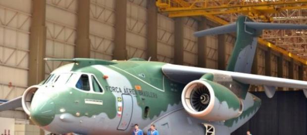 Debate pelo KC-390 para a Força Aérea prossegue.