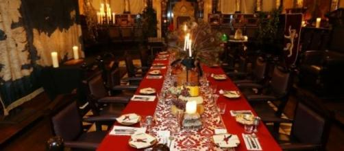 Mesa del restaurante 'All men must dine'