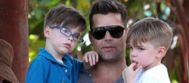 Ricky Martin junto a sus gemelos