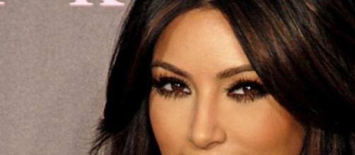 Kim Kardashian sofreu acidente de carro
