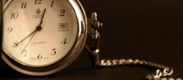 Hay personas que llegan tarde por naturaleza.