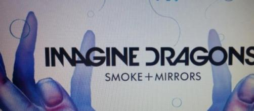 "L'album ""Smoke + Mirrors"""