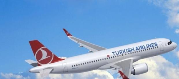 As três jovens apanharam um voo da Turkis Airlines