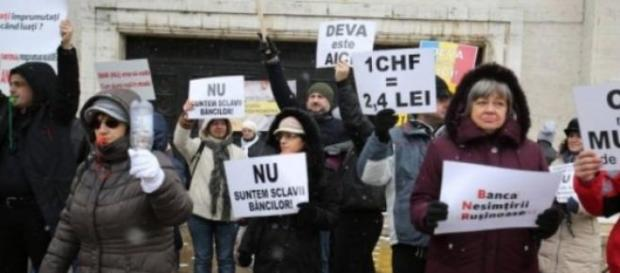 Manifestatie impotriva bancilor