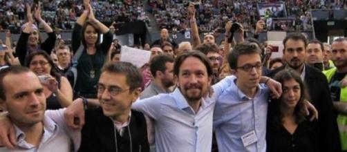 Rajoy llama a Podemos 'ventolera ideológica'