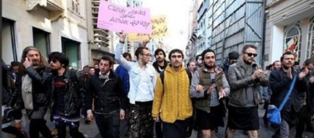 Hombres turcos protestan por el fin del machismo