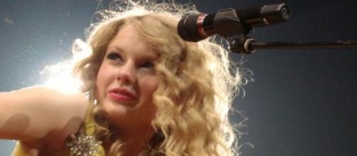"""Taylor Swift, a """"artista mais popular do mundo"""""""