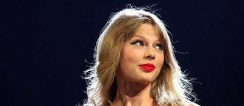 Taylor Swift se presentará a los Brit Awards 2015.