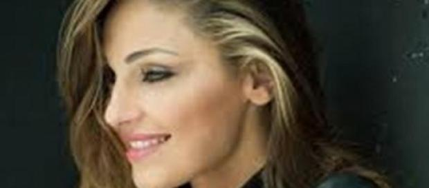Anna Tatangelo festa a sorpresa per Gigi D'Alessio