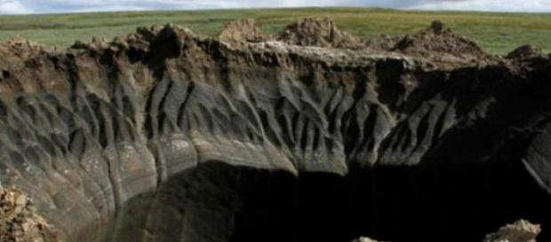 Crater urias aparut in zona Yamal din Siberia