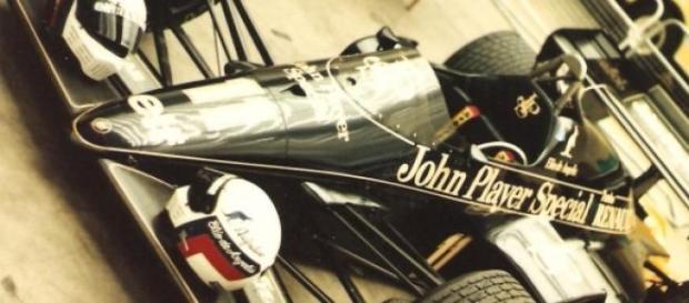 Lotus projetada por Gerard Ducarouge em 1984