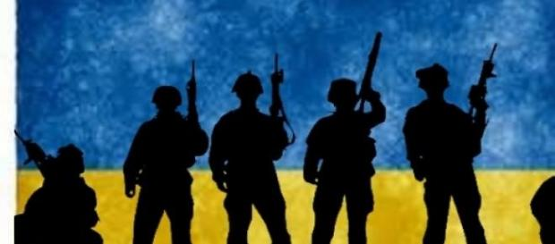 Paisagem ucraniana: soldados e armas