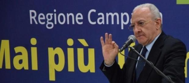 Vincenzo de Luca, in campagna elettorale