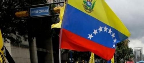Manifestaciones opositoras recorren Caracas