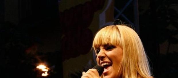 Edurne nos representará en Eurovisión 2015.