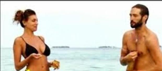 Isola dei Famosi: Alex e Cristina.