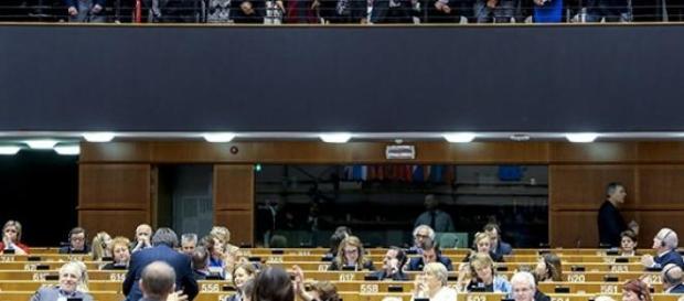 Parlamento Europeu discute sobre Grécia e Ucrânia
