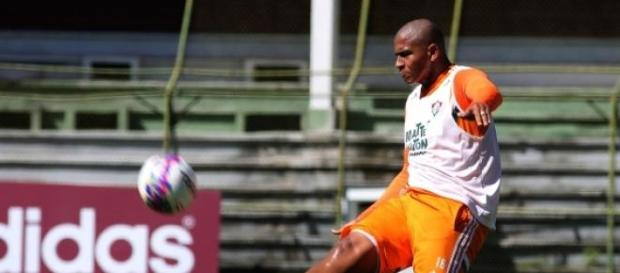 Walter treina no Fluminense pensando no Santos