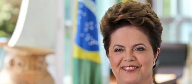 """Publicação britânica """"The Economist"""" dá destaque à situação econômica do Brasil e aponta Dilma como uma liderança incapaz de driblar os problemas."""