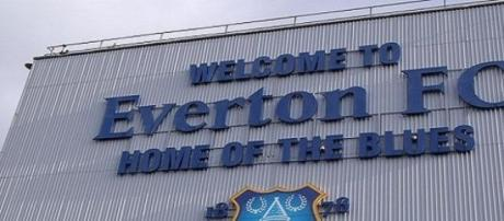 Everton remain in Europe while Liverpool lose