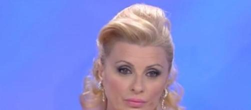 Tina Cipollari insinua un dubbio in Valentina