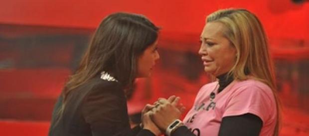 Ares consolando a Belén. Ahora ¿A ganar GH VIP?