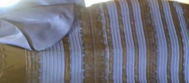 De que cor é este vestido?