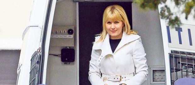 Elena Udrea a venit la DNA insotita de politisti!