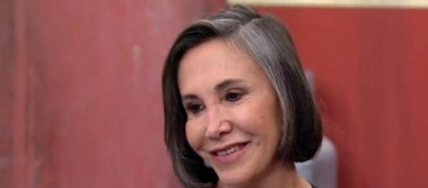 Florinda foi entrevistada por jornalistas do SBT