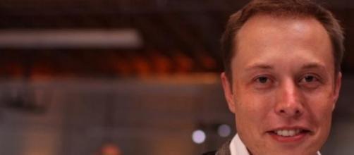 Elon Musl à l'ouverture de Tesla à Menlo Park