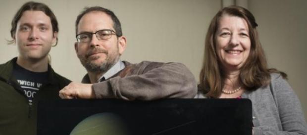 James Stevenson, Jonathan Lunine y Paulette Clancy