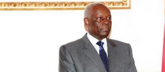 Queda do petróleo leva Angola a revisão do Orçamento de Estado