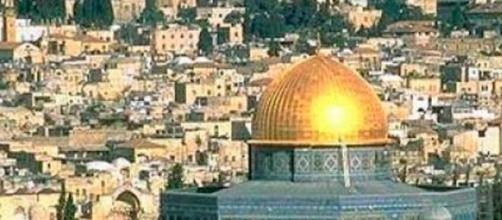 Jerusalém atrai curiosos e religiosos do mundo