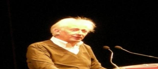 Albert Boadella dando una conferencia.